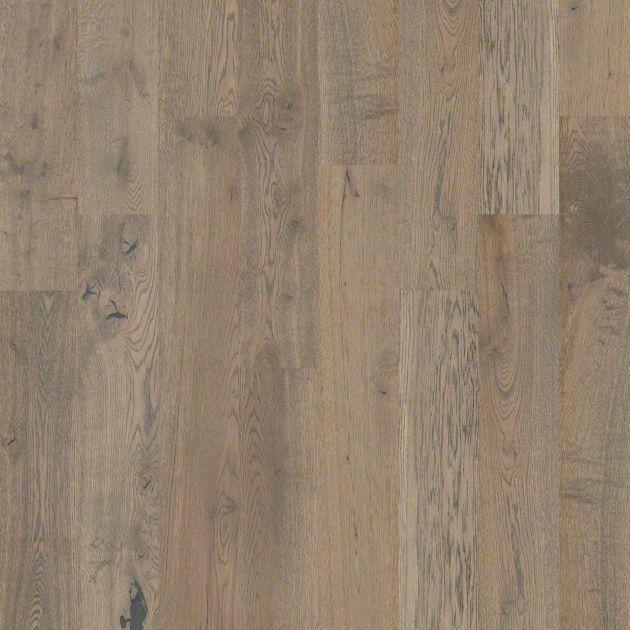 Sw485 castlewood oak shaw hardwood flooring for Shaw hardwood flooring